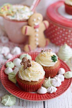 Bögrés mézeskalács cupcake | Rupáner-konyha Party Snacks, Mini Cupcakes, Diy And Crafts, Muffin, Blog, Recipes, Appetizers For Party, Muffins