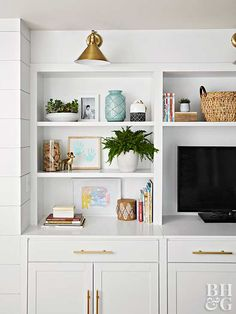 A built-in bookshelf increases toy storage and display space.