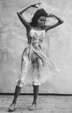 "Dance ""Enchanting Mood"" Mini Anden by Peter Lindbergh for Vogue Italia 1997 * Peter Lindbergh, Photography Pics, Fashion Photography, Clothing Photography, Summer Photography, Lifestyle Photography, Black White Photos, Black And White Photography, Helmut Newton"
