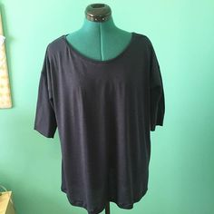 My first #grainlinestudio #hemlocktee just needs to be hemmed. I shortened the sleeves because they were so loose (that's what you get with one size fits all patterns I guess) and I might re-hem the bottom. I think it'll look cute under blazers/cardis and half-tucked into jeans. #sewing #handmadewardrobesewing,grainlinestudio,hemlocktee,handmadewardrobesamsanator