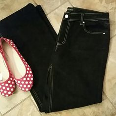 WHBM black jeans size 12 Brand new without tags.  Boot leg.  Looser in the hips and thighs.  Size 12 regular.  32 inch inseam.  Stretch 78% cotton  22% elasterell   Bundle to save even more or make me an offer. White House Black Market Jeans Boot Cut