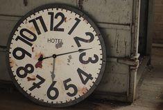 Clocks - Decor Objects  Vintage Inspired Hotel Clock - From  Antiquefarmhouse.com - www.antiquefarmho... Tyylikäs Sisustus KoristeluKelloja 958aaf8b07