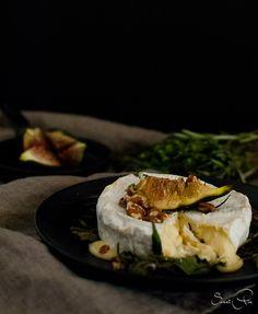 gegrillter Kräuter Camembert mit Feigen