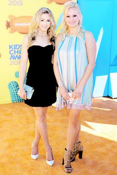 Chloe and Christi at Kids Choice Awards! #WalkingTheOrangeCarpet