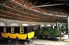 Vehicles ferroviaris a la Rotonda  by Museu del Ferrocarril de Catalunya, via Flickr