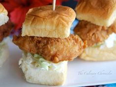 An onolicious crispy fish slider that is sure to make your mouth water. Enjoy it with our fresh and crisp slaw or even your own sauce, either way we are sure you'll enjoy it!King's Hawaiian Recipes.