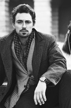 JJ Feild - to me he looks like a cross between Tom Hiddleston Heath Ledger & Hugh Dancy Pepe Le Pew, Pretty People, Beautiful People, My Sun And Stars, Le Male, British Men, British Actors, Hommes Sexy, Portraits