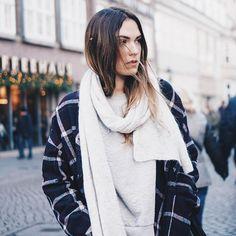 happy st. nicholas' day 🍫🎅🏼 // jacket and scarf @stormandmarie ___________________ #wmnswr #cozy #jacket #scarf #stormandmarie #outfit #ootd #streetstyle #bloggerstyle #blogger_de #germanblogger #fashionblogger #fashion #fashionblogger_de #streetfashion #fashiondaily #basics #details #minimal #minimalism #monochrome #fashiondiary