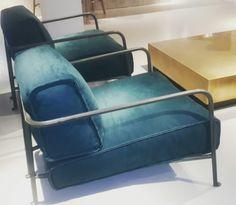 Butaca Bruxelles de Baxter. La piel tratada con delicadeza y cada pieza mimada, hacen de Baxter un mobiliario muy especial.  En nuestra exposición podrás ver y sentarte en esta butaca tan especial.