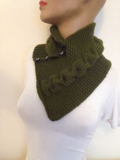 Green neckwarmers with button, Chunky Scarf , scarves, fall fashion, winter accessories, autumn, Knitting