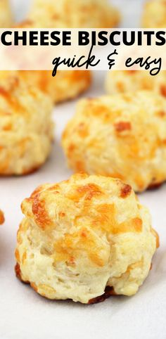 Quick and Easy Cheese Biscuits Fits every dinner or as a snack. These delicious cheese biscuits will be a hit! Sandwich Bar, Roast Beef Sandwich, Easy Cheese Biscuits Recipe, Homemade Cheese, Recipe For Homemade Biscuits, Cream Cheese Biscuits, Easy Biscuit Recipe, Cheddar Biscuits, Homemade Breads
