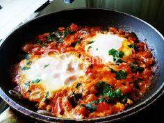 Shakshouka: The Breakfast of Champions Low Carb Recipes, Cooking Recipes, Egyptian Food, Breakfast Of Champions, Egg Dish, Jewish Recipes, Some Recipe, Yummy Treats, Clean Eating