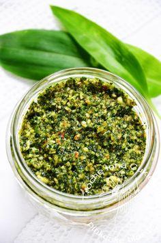 Pesto z czosnku niedźwiedziego, wild garlic pesto Wild Garlic Pesto, Preserves, Green Beans, Homemade, Vegan, Vegetables, Cooking, Tortillas, Dressing