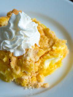 4-Ingredient Lemon Cream Cheese Dump Cake – Live Play Eat Lemon Desserts, Lemon Recipes, Easy Desserts, Delicious Desserts, Yummy Food, Cheese Recipes, Easy Sweets, Tasty, Quick Recipes