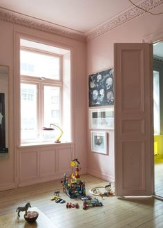 Ideal innovations in terms of home improvment. home improvement news. Home decor. Kid Spaces, Living Spaces, Turbulence Deco, Purple Interior, Vogue Living, Sweet Home, Pink Walls, French Decor, Mid Century Modern Furniture