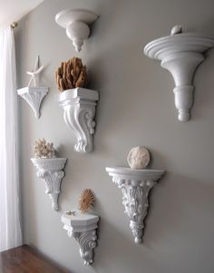 Style, Decor and More!: Creative Wall Decor with Corbels! Creative Wall Decor, Creative Walls, Coastal Decor, Diy Home Decor, Coastal Living, Inexpensive Wall Art, Plafond Design, Beach Room, Metal Tree Wall Art