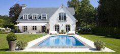 Huis met zwembad in de tuin