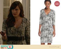Charlotte's black and white printed v-neck dress on Revenge.  Outfit Details: http://wornontv.net/30679/ #Revenge
