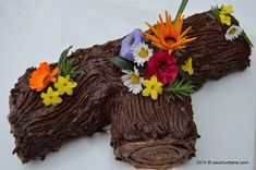 Tort buturuga - trunchi de copac | Savori Urbane Romanian Desserts, Romanian Food, Romanian Recipes, Just Cakes, Something Sweet, Grapevine Wreath, I Foods, Grape Vines, Macarons