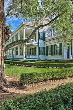 Rosedown Plantation, encompassing 374 acres in St Francisville, South Louisiana, USA.  It is one of the most intact domestic plantation complex in the South.  Rosedown was established in the 1830s by Daniel and Martha Barrow Turnbull, and remained in the hands of their descendants until the 1950s. Photo: google.search.com