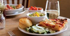 In a sea of restaurants touting their down-home fare, a chef in Boone is serving up the real deal. The proof is in the (tomato) pie. Visit North Carolina, Sweet Potato Biscuits, Sea Moss, Tomato Pie, Sweet Tea, Served Up, Places To Eat, New Recipes, Brunch