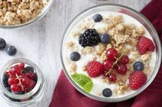 وصفة الشوفان بالحليب والفاكهة وجبة فطور صحي متكاملة