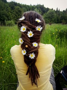 Flowers in hair #dreadlocks #flowers #nature