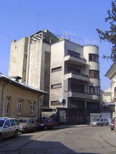 Jean Monda in Bucharest Small Art, Classic House, Modern Architecture, Dan, Multi Story Building, Art Deco, Exterior, Modernism, Country