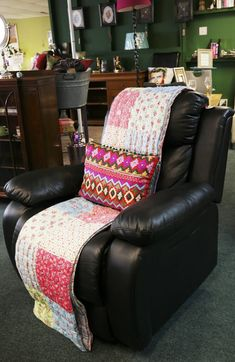 Leather sofa recliner Reclining Sofa, Love Hair, Leather Sofa, Recliner, True Love, Armchair, Chairs, The Unit, Colour