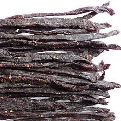 Biltong is a fantastic energy snack. Beef Biltong Snap Sticks & Chilli Bites marinated in special seasoning before drying. Our fully qualified butcher makes biltong and dry wors daily! Chilli Recipes, Sausage Recipes, Beef Recipes, Cooking Recipes, How To Make Chilli, How To Make Sausage, Sausage Making, Kos, Biltong