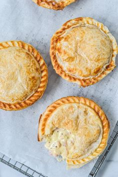 Irresistible pies topped with golden puff pastry, filled with tender chicken, bacon & mustard.This creamy chicken pie with puff pastry is pure comfort food! Homemade Chicken Pie, Creamy Chicken Pie, Chicken Recipes, Chicken Meals, Cheesy Chicken, Mini Pie Recipes, Baking Recipes, Pastry Recipes, Flaky Pastry
