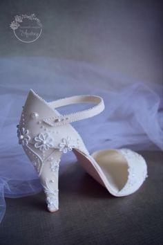 Elegant bridal shoe   by BeautifySugar