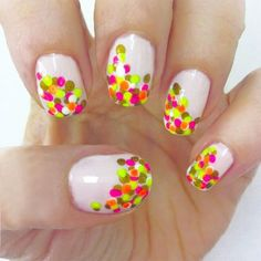 Let's have a confetti themed party and paint our nails like this. Click through for tons of confetti nail ideas!
