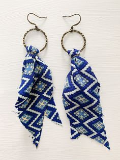 Diy Fabric Jewellery, Fabric Earrings, Textile Jewelry, Bead Jewellery, Beaded Jewelry, Earrings Crafts, Diy Earrings Tutorial, Diy Earrings Easy, Jewlery
