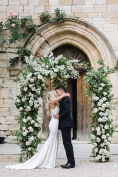 10 Awesome, Creative and Memorable Wedding Guest Book Ideas Lilac Wedding, French Wedding, Floral Wedding, Wedding Flowers, Dream Wedding, Wedding Arbors, Wedding Ceremony, Wedding Venues, Top Wedding Dresses