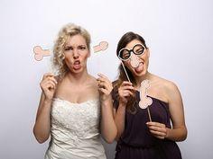 Kartonowe karteczki na patyczku Pikantne. W zestawie: Pikantne okulary i wacki. Doskonały rekwizyt do zdjęć w fotobudce.