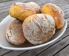 """Rezept Süßkartoffel-Brötchen """"Bolo di Caco"""" von Kettwigerin - Rezept der Kategorie Brot & Brötchen"""