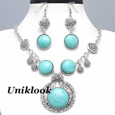 Chunky Western Turquoise & Silver Cowgirl Design Fashion Jewelry Necklace Set