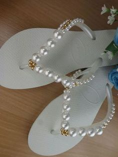 How to Embroider Slipper: Step by Step Photos Bling Flip Flops, Bridal Flip Flops, Beaded Beads, Beaded Shoes, Decorating Flip Flops, Beach Wedding Shoes, Diy Clothes And Shoes, Crochet Shoes, Shoe Art