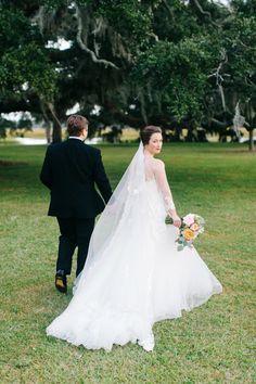 Photography: Caroline Ro - carolinero.com   Read More on SMP: http://www.stylemepretty.com/2016/01/11/elegant-timeless-waterside-southern-wedding/