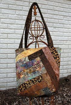 ...scrappy tote made with Batiks....back side of batik bag