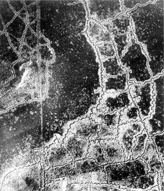 An aerial photograph of the Loos-Hulluch trench systems in World War 1. British trench lines are on the left, German trench lines are on the right. Read more at http://all-that-is-interesting.com/astounding-aerial-photography#yRWLlPSJt6IRPMps.99
