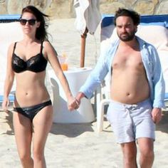 Johnny Galecki And Girlfriend Kelli Garner Vacation In Los Cabos Mexico [READ MORE: http://uinterview.com/news/johnny-galecki-and-girlfriend-kelli-garner-vacation-in-los-cabos-mexico-10061] #johnnygalecki #kelligarner #mexico #loscabos #celebvacations #beach #thebigbangtheory #celebcouples