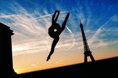 Be fearless in the pursuit of what sets your soul on fire... #theparisphotographer #parisphotographer #photographerinparis #parisphotographers #photooftheday #portait #iloveyouparis #parisfrance #instaparis #parisian #cityoflove #parisphotosession #photosessioninparis #parisphotosessions #liveyourlife #eiffeltower #eiffel #toureiffel