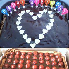 Chocolate glaze cake:)Recipe:http://hungrybonbons.blogspot.com/2013/08/nigellas-chocolate-cloud-cake.html