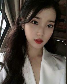 9 Korean Makeup Looks – My hair and beauty Iu Twitter, Iu Fashion, Jennie Blackpink, Korean Actresses, Celebs, Celebrities, Korean Makeup, Seulgi, Ulzzang Girl