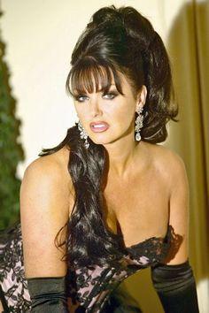 Erotic Hypnosis Mistress is Madam Raison Detre.