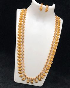 Matte finish shipping extra Direct message for place the Online payment only(no Shipping 100 all India World wide available Gold Wedding Jewelry, Gold Jewelry Simple, Bridal Jewelry, Indian Gold Necklace Designs, Indian Jewelry Sets, Jewelry Design Earrings, Gold Jewellery Design, Cod 3, Mango Necklace