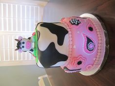 Cow print bandana cake- Cakes by Niki