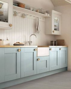 Kitchen Remodeling: Choosing Your New Kitchen Cabinets - Kitchen Remodel Ideas Blue Kitchen Cabinets, Kitchen Cabinet Colors, Painting Kitchen Cabinets, Kitchen Paint, Kitchen With Wood Countertops, Blue Kitchen Backsplash, Inexpensive Kitchen Cabinets, Kitchen Cabinets Brands, Kitchen Cabinets Color Combination